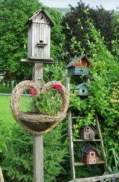 Brilliant garden junk repurposed ideas to create artistic landscaping 34