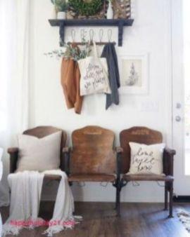 Classic and elegant european farmhouse decor ideas 17