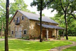 Classic and elegant european farmhouse decor ideas 18