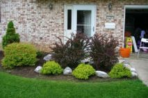 Impressive small front yard landscaping ideas 40