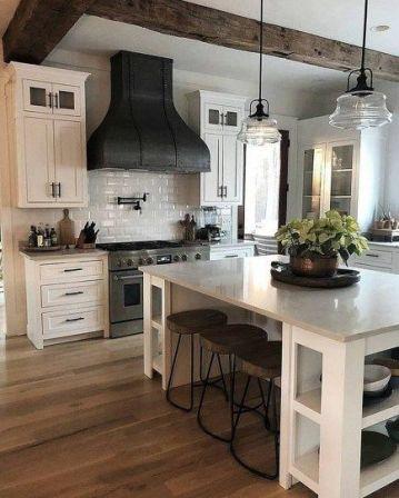 Amazing farmhouse kitchen decor ideas for inspiration 08
