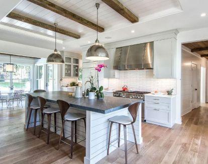 Amazing farmhouse kitchen decor ideas for inspiration 17