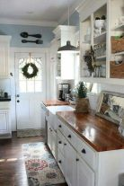 Amazing farmhouse kitchen decor ideas for inspiration 20