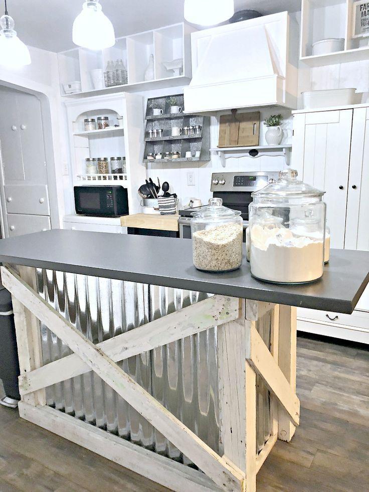 Amazing farmhouse kitchen decor ideas for inspiration 38