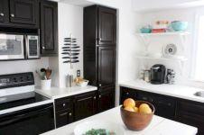 Amazing oak cabinet kitchen makeover ideas 33