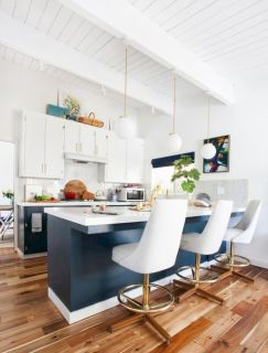 Awesome kitchen makeovers for small kitchens 02
