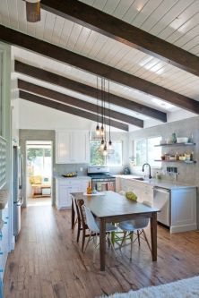Comfy antique white kitchen cabinets ideas 08