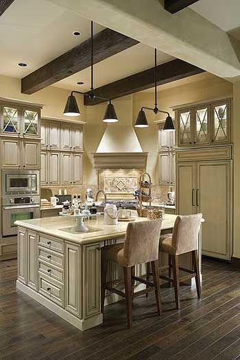 Comfy antique white kitchen cabinets ideas 20