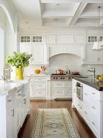 Comfy antique white kitchen cabinets ideas 25