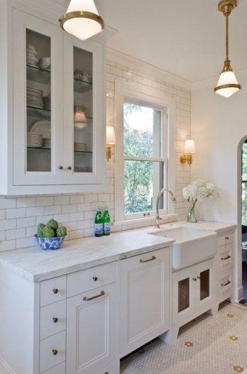 Comfy antique white kitchen cabinets ideas 35