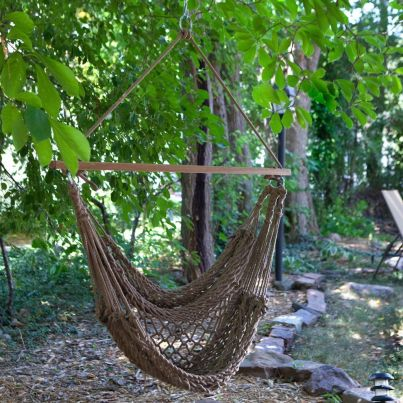 Comfy backyard hammock decor ideas 17