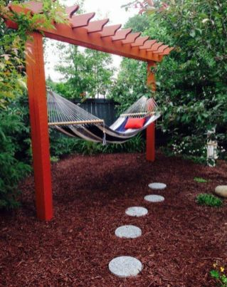 Comfy backyard hammock decor ideas 18