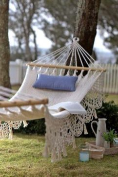 Comfy backyard hammock decor ideas 27