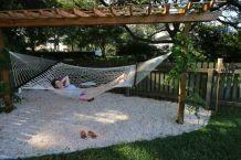 Comfy backyard hammock decor ideas 34