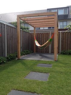 Comfy backyard hammock decor ideas 38