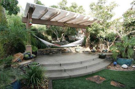 Comfy backyard hammock decor ideas 39