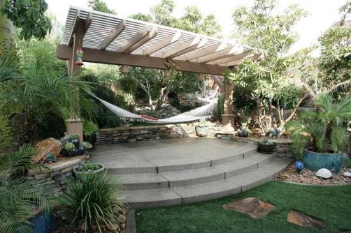 Comfy backyard hammock decor ideas 39