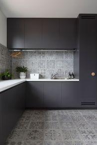 Easy grey and white kitchen backsplash ideas 20