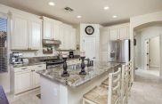 Elegant kitchen ideas with white cabinets 04