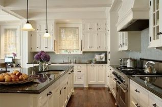 Elegant kitchen ideas with white cabinets 09