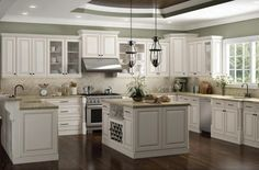 Elegant kitchen ideas with white cabinets 11