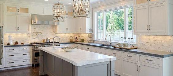 Elegant kitchen ideas with white cabinets 37