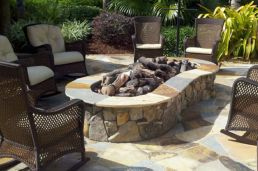 Fancy fire pit design ideas for your backyard home 03