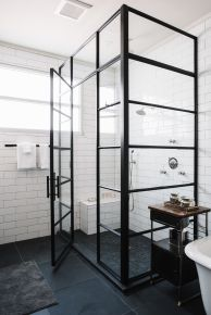 Lovely hotel bathroom design ideas that can be applied to your home 41