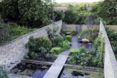 Modern urban gardening ideas 24