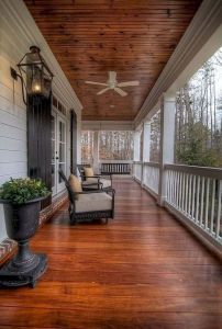 Amazing farmhouse porch decorating ideas 02