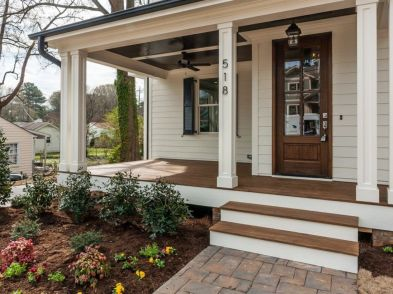 Amazing farmhouse porch decorating ideas 37