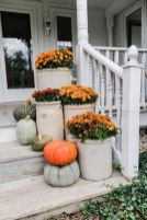Amazing farmhouse porch decorating ideas 44