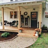 Amazing farmhouse porch decorating ideas 47