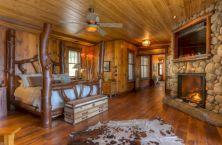 Attractive rustic italian decor for amazing bedroom ideas 19