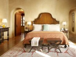 Attractive rustic italian decor for amazing bedroom ideas 36