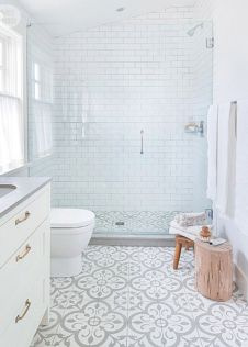 Awesome farmhouse shower tiles ideas 10
