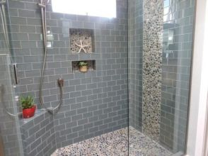 Awesome farmhouse shower tiles ideas 37