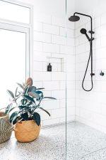 Best ideas how to creating minimalist bathroom 40