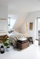 Comfy and cozy small bedroom ideas 08