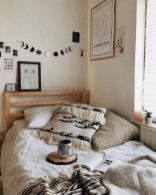 Comfy and cozy small bedroom ideas 10