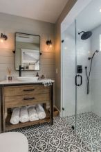Cozy farmhouse bathroom makeover ideas 21