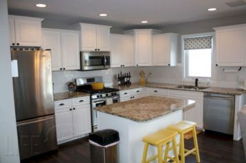 Cute kitchen remodels with white cabinets 35