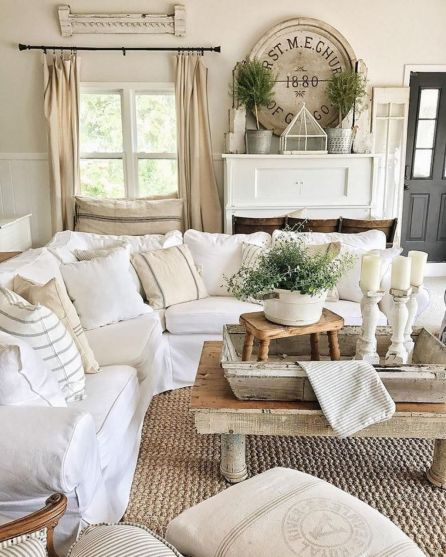 Fabulous farmhouse living room decor design ideas 16
