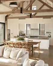 Fabulous farmhouse living room decor design ideas 41