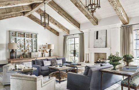 Fabulous farmhouse living room decor design ideas 44