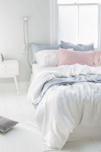 Gorgeous minimalist elegant white themed bedroom ideas 14