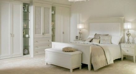 Gorgeous minimalist elegant white themed bedroom ideas 19
