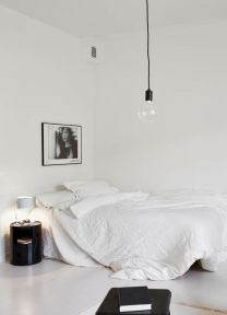 Gorgeous minimalist elegant white themed bedroom ideas 38