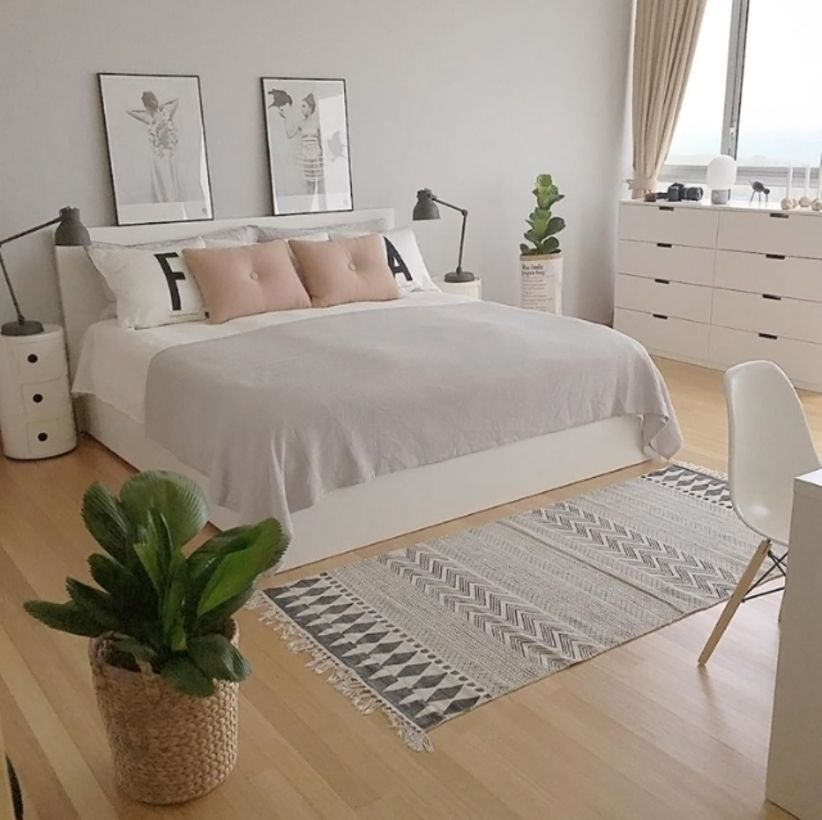 . 45 Gorgeous Minimalist Elegant White Themed Bedroom Ideas   ROUNDECOR