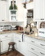 Impressive farmhouse country kitchen decor ideas 27